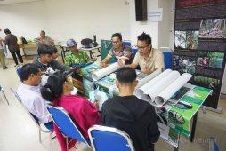 fotografi/poster/bahan bercetak dikendalikan oleh En. Didi Nelson dari PACOS Trust